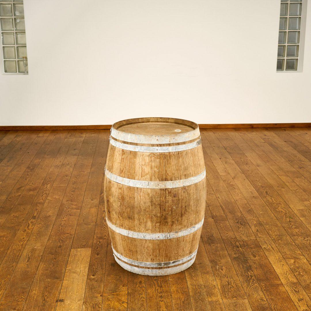Oak barrel cake table
